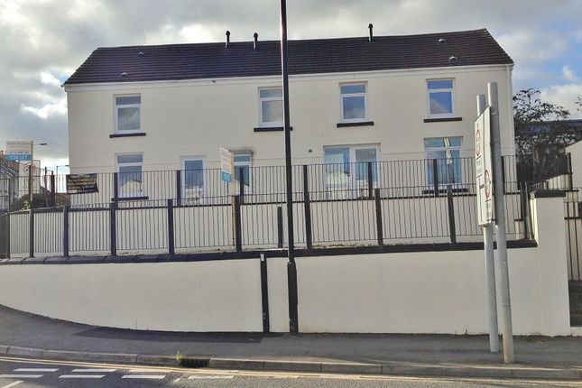 Thumbnail Flat to rent in 124 Neath Road, Hafod, Swansea