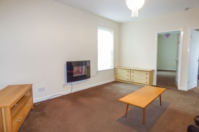Thumbnail Flat to rent in High Street West, Wallsend