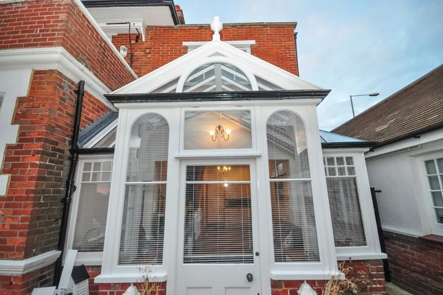 Thumbnail Maisonette to rent in Sea Road, Westgate-On-Sea