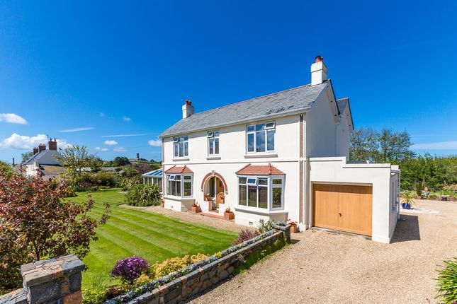 Thumbnail Detached house to rent in Grande Rue, Vale, Guernsey