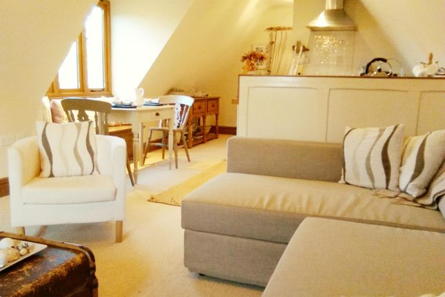 Thumbnail Cottage to rent in Drumming Well Lane, Oundle, Peterborough