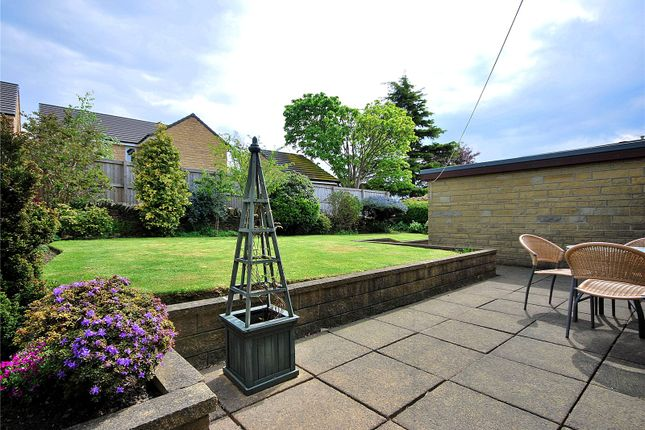 Picture No. 38 of Lady Heton Close, Mirfield, West Yorkshire WF14
