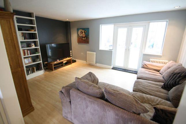 Living Area of Buckingham Grove, Uxbridge UB10