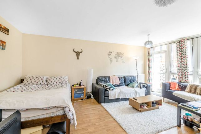 Thumbnail Flat for sale in Manningford Close, Clerkenwell