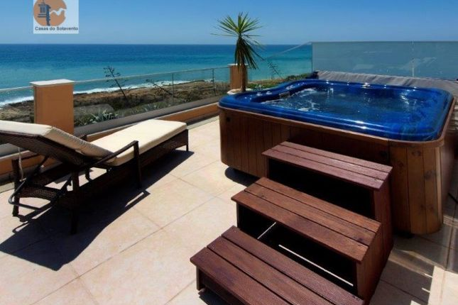 4 bed detached house for sale in Luz, Luz, Lagos