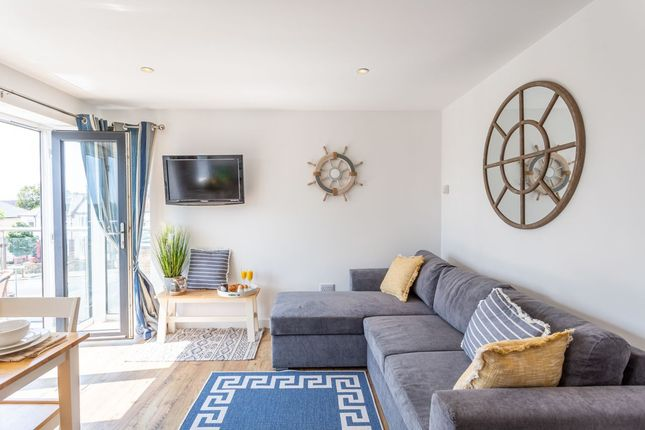 Thumbnail Flat to rent in Ambleside Drive, Southend-On-Sea