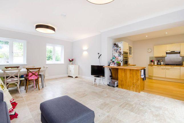 Thumbnail Property to rent in Arthur Road, Wimbledon, London