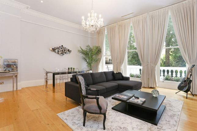 2 bed flat to rent in Courtfield Gardens, London SW5