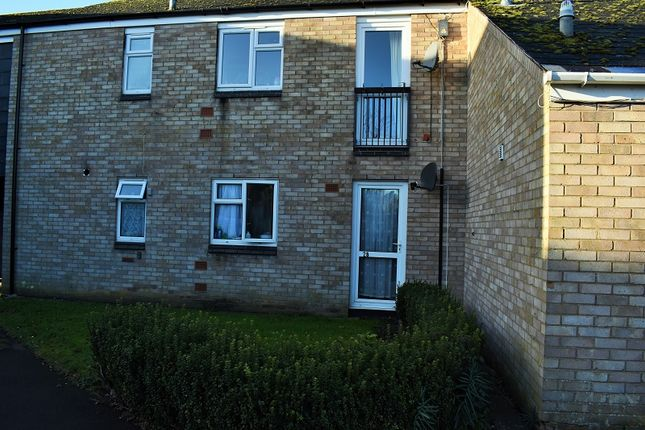Thumbnail Flat to rent in Peachs Close, Harrold