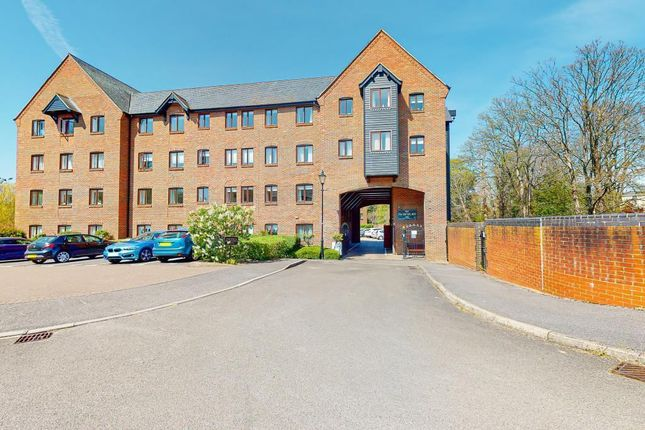 1 bed property for sale in Old Silk Mill, Silk Lane, Twyford RG10