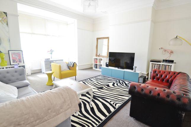Thumbnail Flat to rent in Street Lane, Roundhay, Leeds