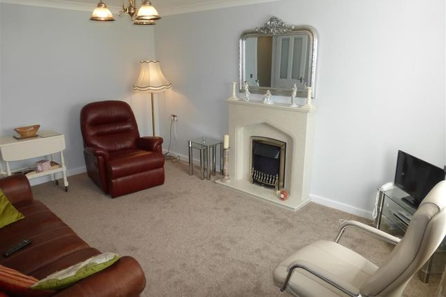 Thumbnail Bungalow to rent in Kings Croft, South Kirkby, Pontefract
