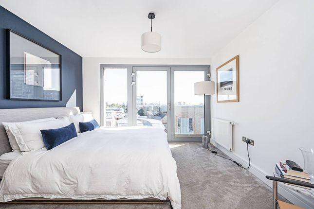 3 bed flat for sale in Boleyn Road, Dalston, London N16