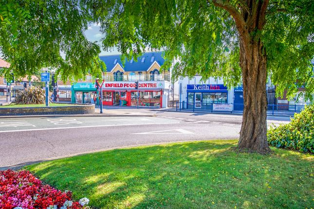 Thumbnail Flat for sale in The Pond House, Cheshunt, Waltham Cross