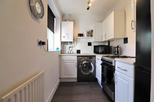 Kitchen of Sidmouth Road, Welling DA16