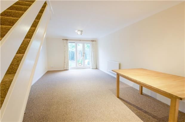 Thumbnail Terraced house for sale in East Road, London
