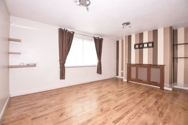 2 bed flat to rent in Eagle Close, Ilchester, Yeovil BA22