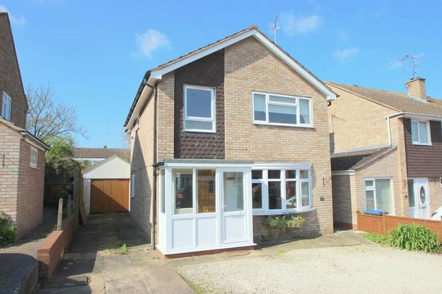 Thumbnail Detached house for sale in Drayton Avenue, Stratford-Upon-Avon