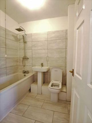 Bathroom of Essoldo Close, Gorton, Manchester M18