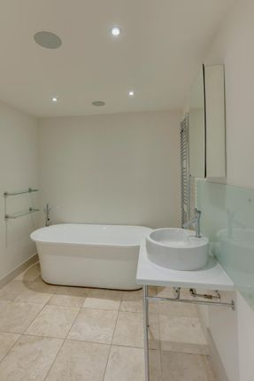Family Bathroom of 63 Limb Lane, Dore, Sheffield S17