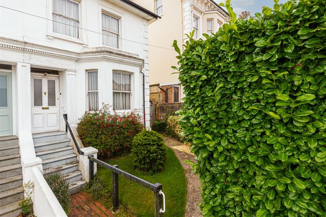 Thumbnail Property for sale in Upper Bridge Road, Redhill