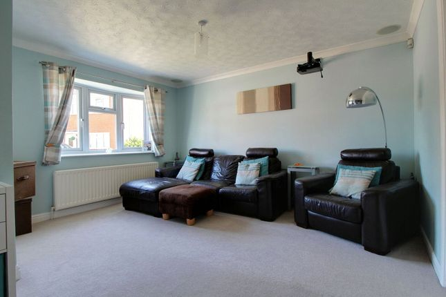 Picture No. 14 of Harwich Close, Lower Earley, Reading, Berkshire RG6