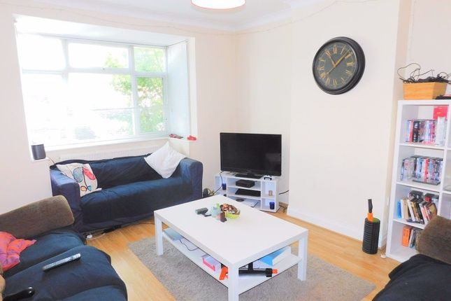 Thumbnail Property to rent in Grasmere Avenue, London