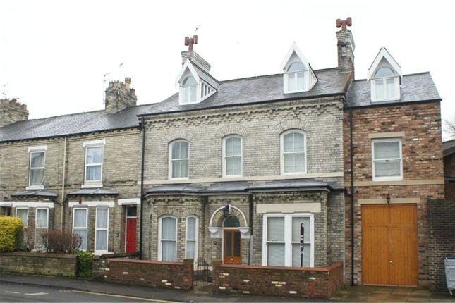 Thumbnail Flat to rent in Huntington Road, York