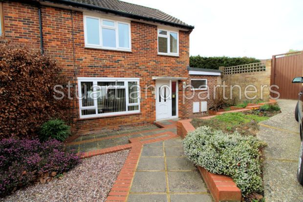 Thumbnail Property to rent in Southdown Close, Haywards Heath
