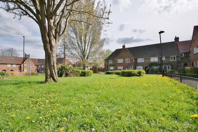 Thumbnail Terraced house for sale in Old Oak Common Lane, London