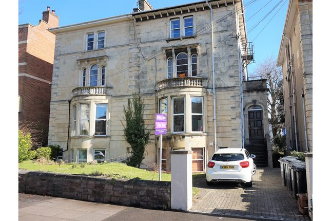 Thumbnail Flat for sale in Chertsey Road, Redland