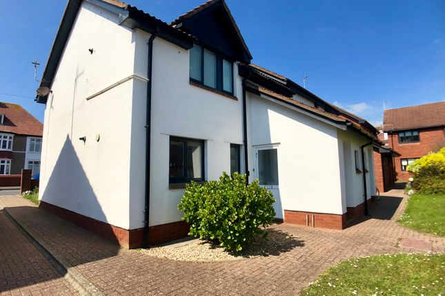 Thumbnail Flat to rent in Seabank Court, Porthcawl