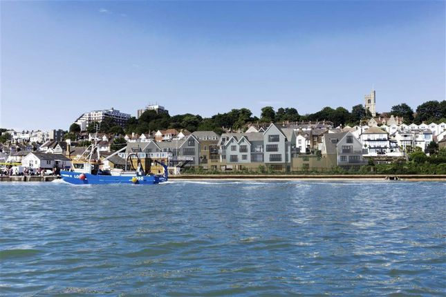 Thumbnail Flat for sale in Bell Sands, Leigh Hill, Leigh On Sea, Essex