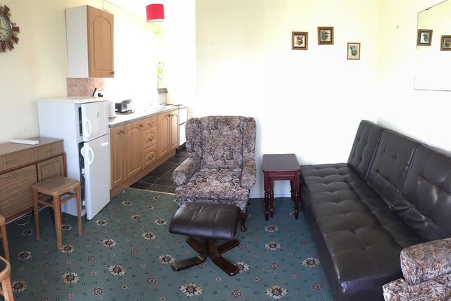 Lounge Pic 1 of 5th Avenue, Miami Beach, Sutton-On-Sea, Mablethorpe LN12