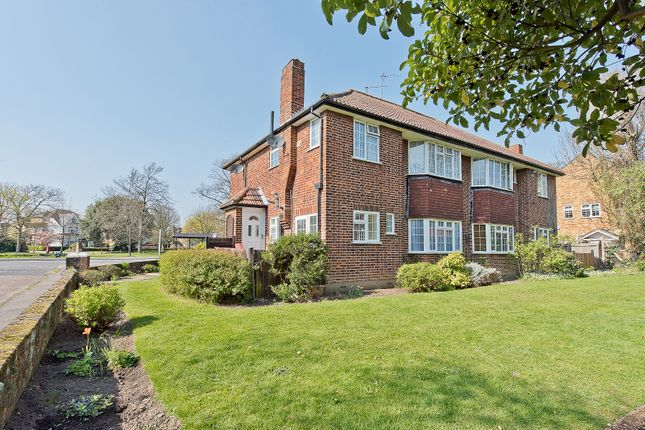 Thumbnail Flat for sale in Ditton Lawn, Portsmouth Road, Thames Ditton