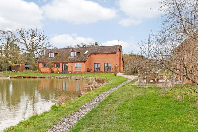 Thumbnail Property for sale in Station Road, Bransford, Worcester, Worcestershire