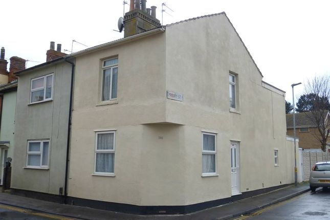 Thumbnail End terrace house to rent in Shopping Centre Flats, High Street, Gorleston, Great Yarmouth
