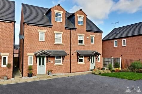 4 bed semi-detached house to rent in College Mews, Church Street, Clowne, Chesterfield S43