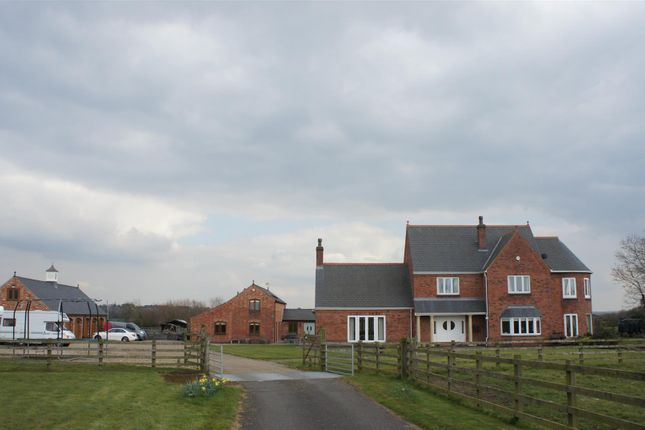 Thumbnail Farmhouse for sale in Forest Road, Huncote, Leicester