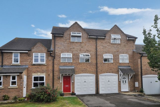 Thumbnail Town house to rent in Clover Mead, Bicester