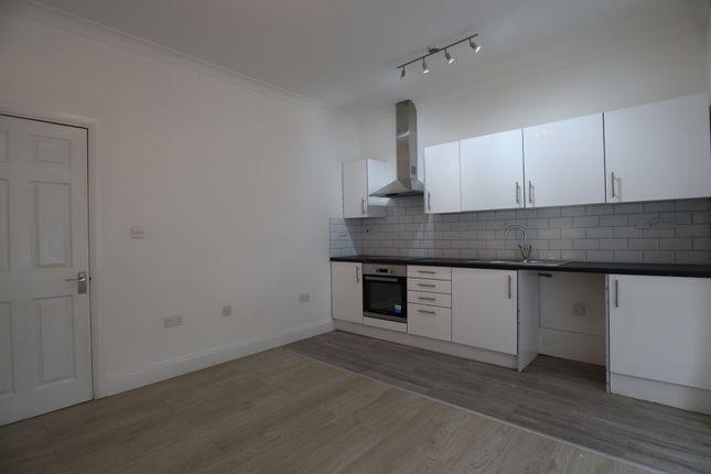 Thumbnail Flat to rent in Ashburnham Road, Bedford