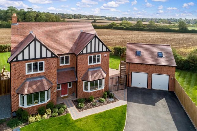 Thumbnail Detached house for sale in Buckingham Way, Stratford-Upon-Avon, Warwickshire