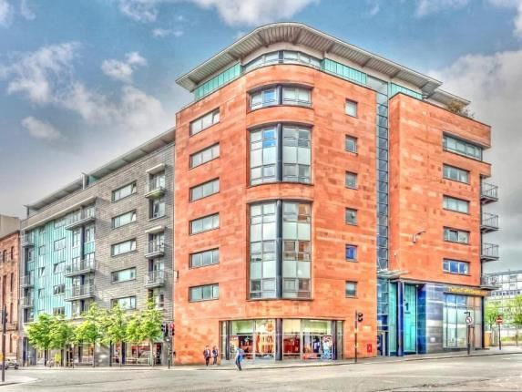 Thumbnail Flat for sale in High Street, Glasgow, Lanarkshire
