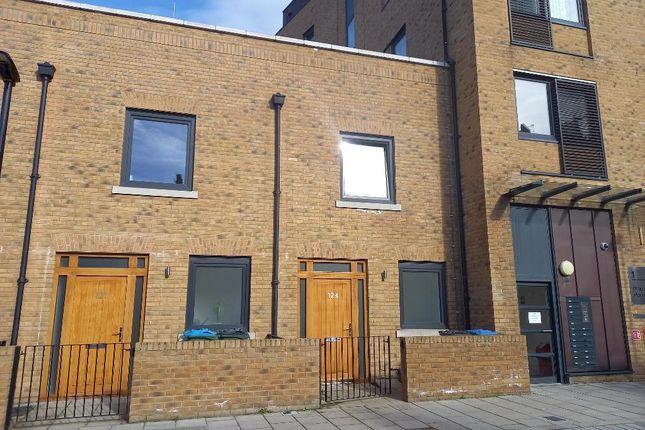 2 bed terraced house to rent in Pelton Road, Greenwich, London SE10