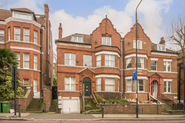 2 bed flat for sale in Finchley Road, London