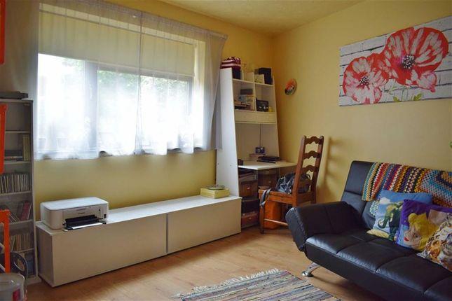 Family Room of Sandown Drive, Chippenham, Wiltshire SN14