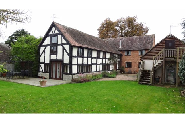Thumbnail Country house for sale in Bidford Road, Alcester