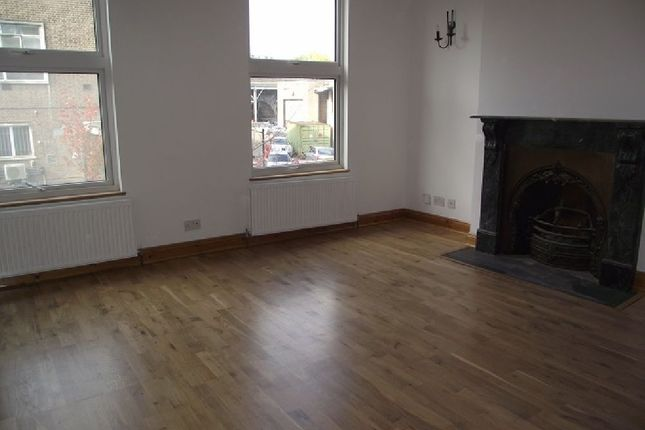 Thumbnail Flat to rent in Shoreditch High Street, London