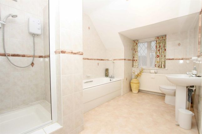 Bathroom of Broadwood Avenue, Ruislip HA4