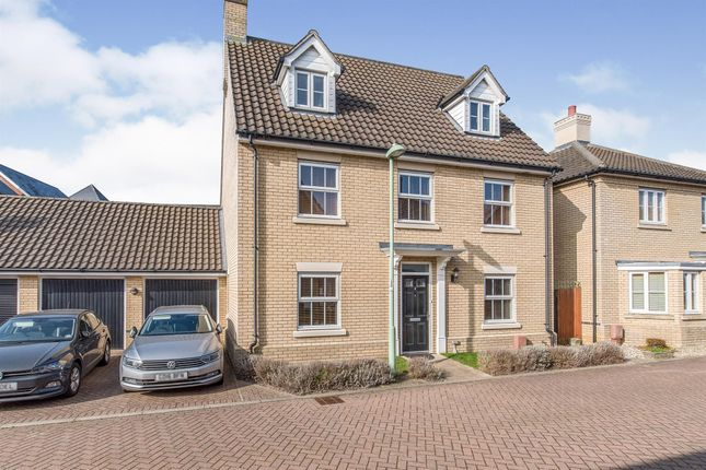 Thumbnail Detached house for sale in Greenfinch Close, Stowmarket